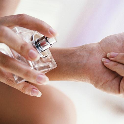perfume-spray.jpg